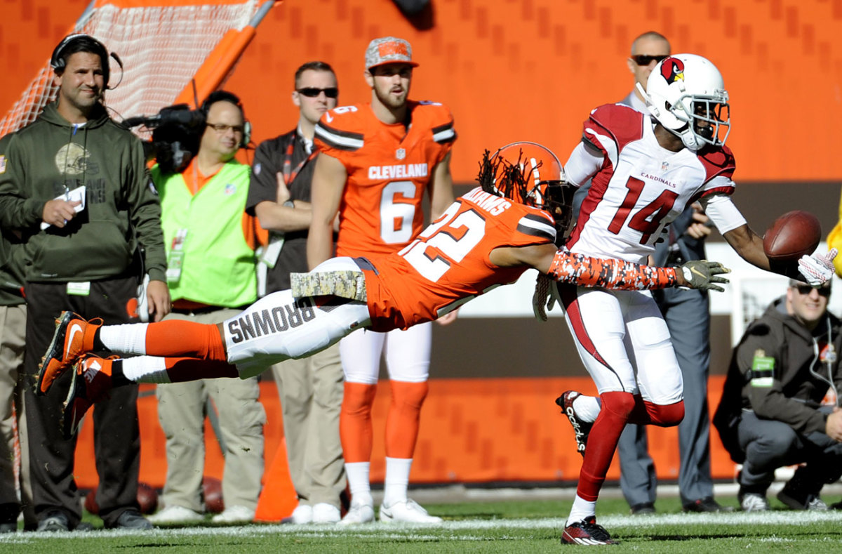 Rookie J.J. Nelson got the best of veteran Tramon Williams on this Palmer longball, setting up a first-quarter touchdown for Arizona.