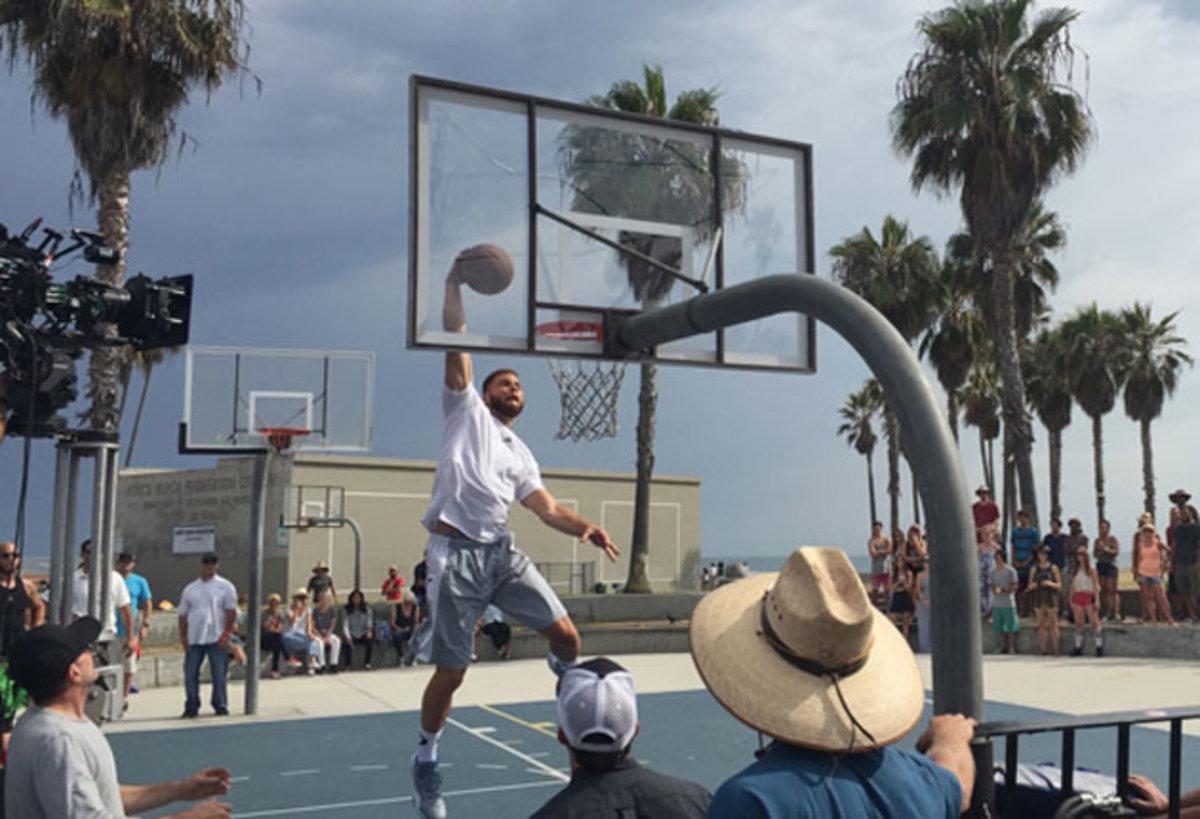 blake-griffin-venice-dunk.jpg