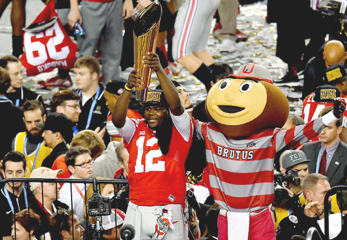 cardale-jones-ohio-state-national-championship-trophy