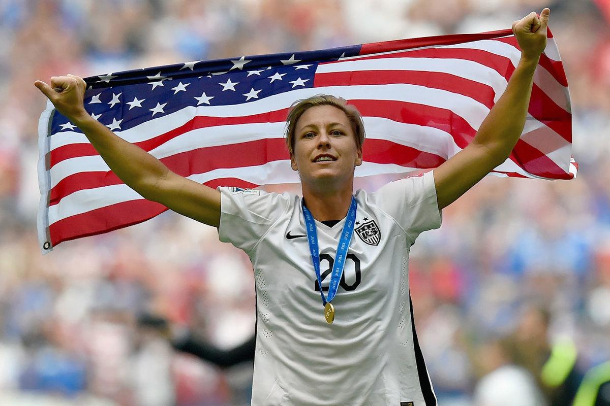 2015-0705-Abby-Wambach-American-flag.jpg