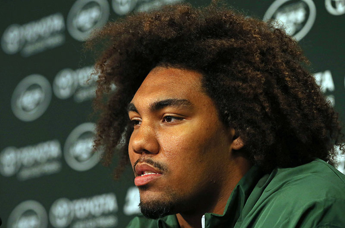 Leonard Williams joins a loaded Jets defensive line as the team begins its quest for its first winning season since 2010. (Adam Hunger/AP)