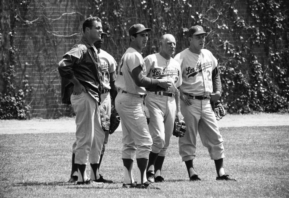 1963-Sandy-Koufax-Leo-Durocher-Jim-Gilliam-Johnny-Podres-NLC_03709.jpg