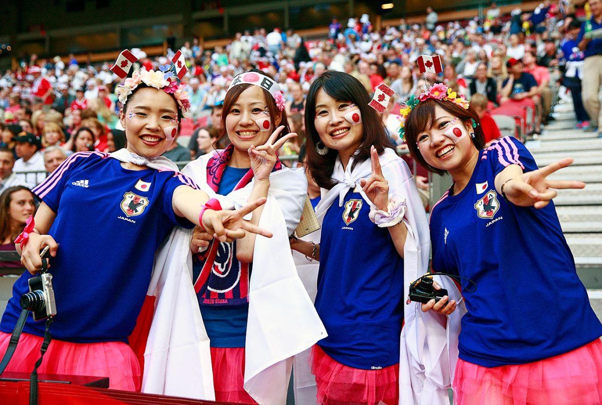 world-cup-fans-476927360_master.jpg