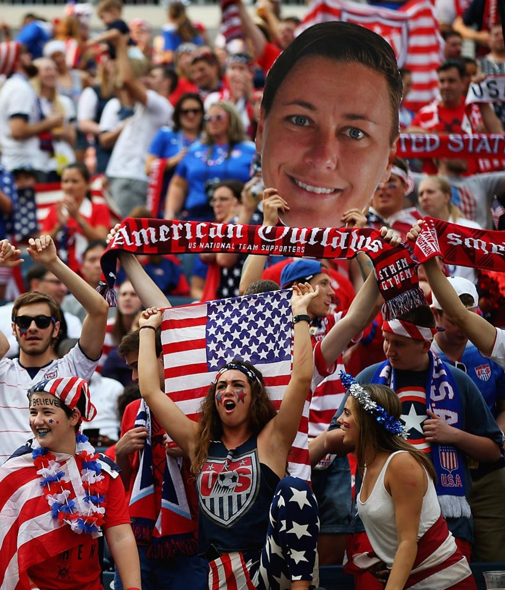 world-cup-fans-476385948_master.jpg