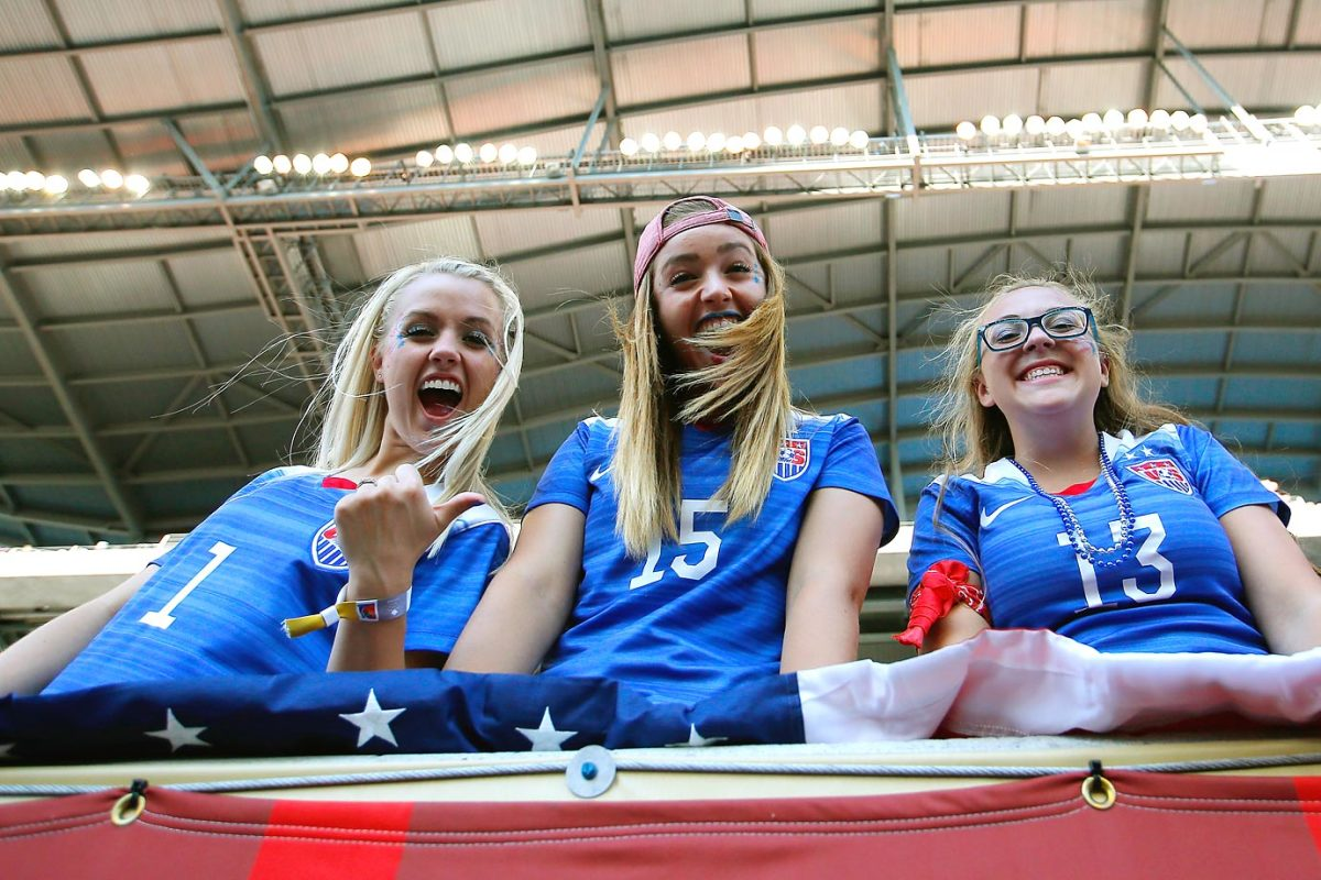 world-cup-fans-476916464_master.jpg