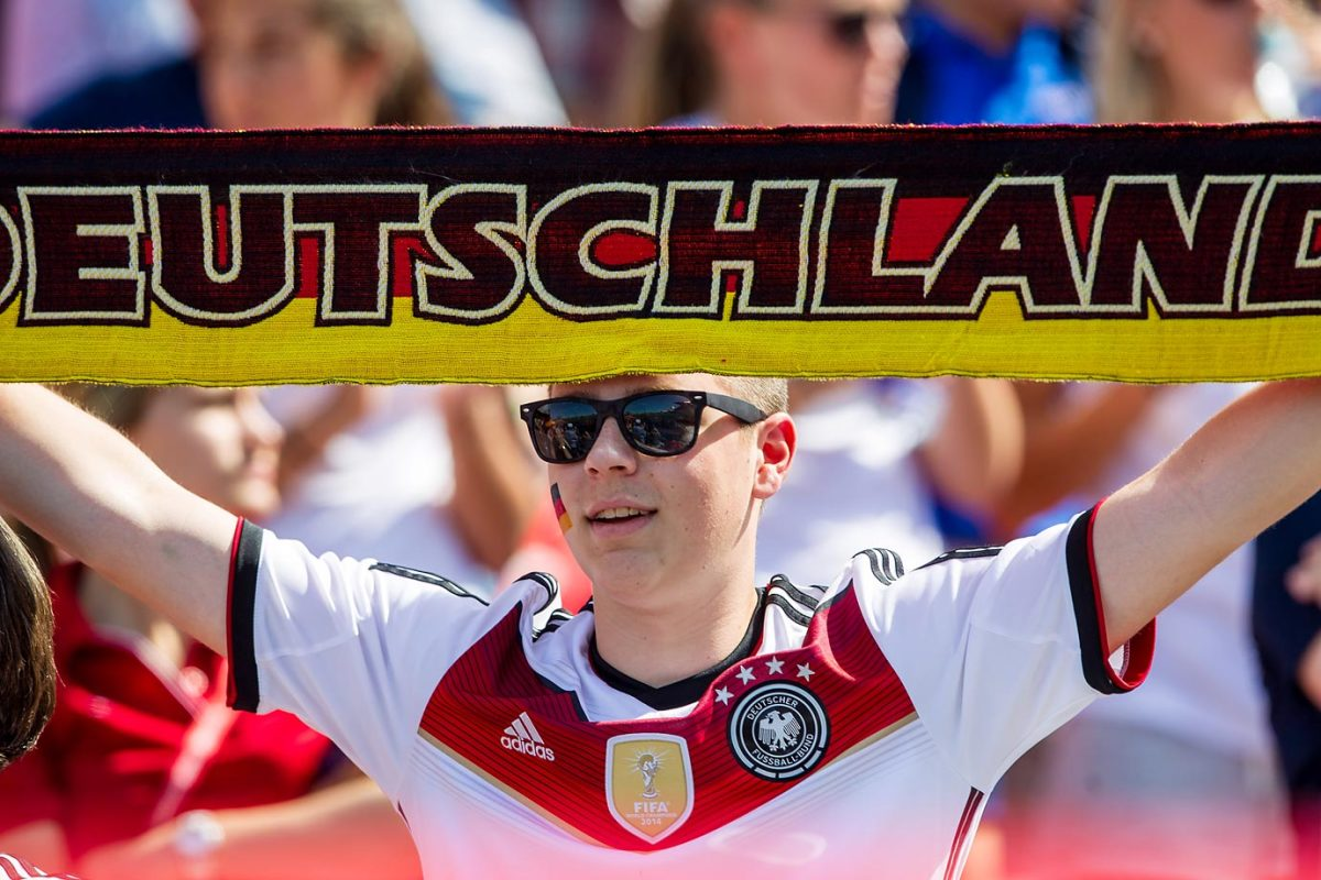 world-cup-fans-GER_VS_SWE009.jpg