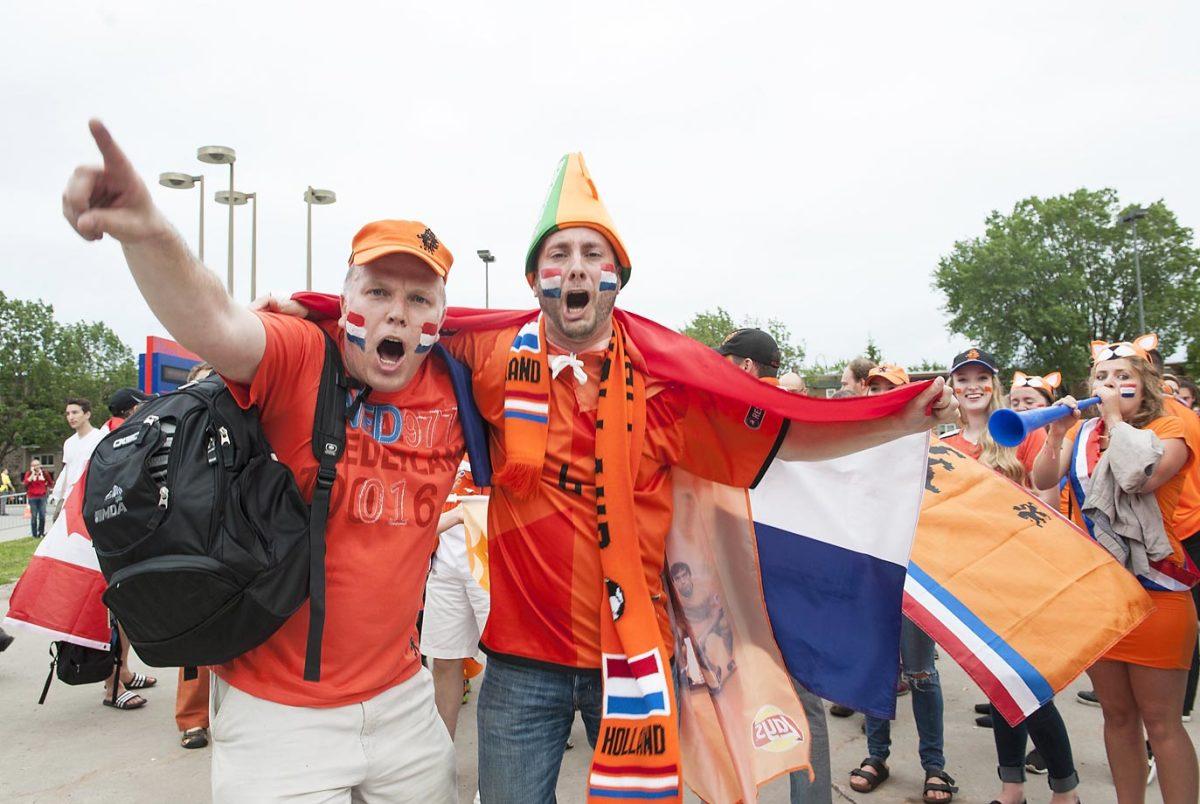world-cup-fans-477262304_master.jpg