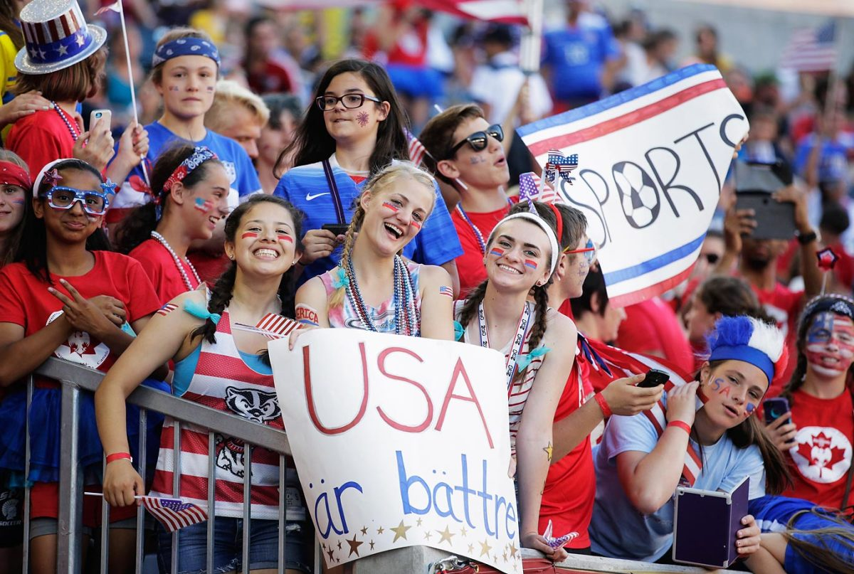 world-cup-fans-476926118_master.jpg