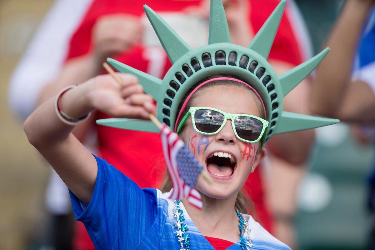 world-cup-fans-478123626_master.jpg