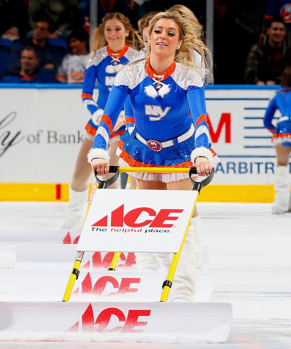 New-York-Islanders-Ice-Girls-459685472_10.jpg