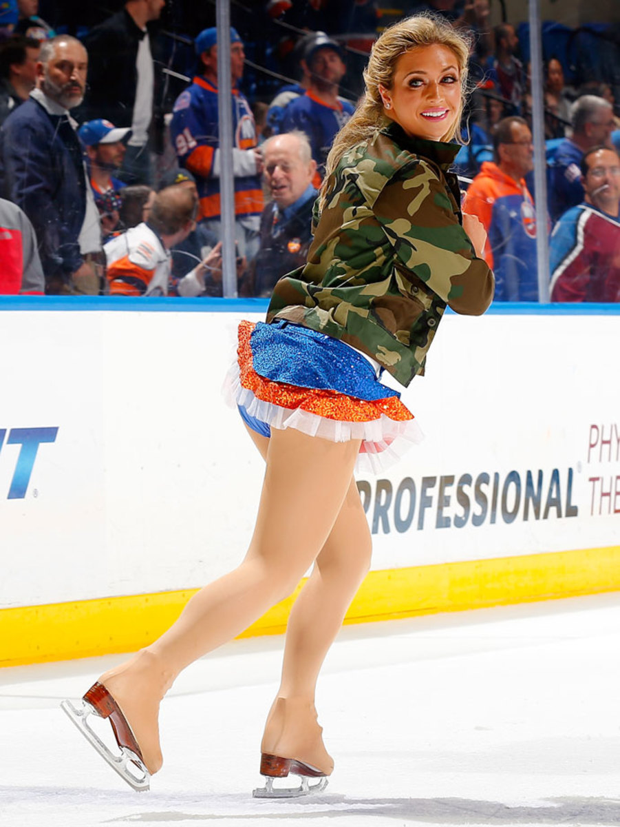 New-York-Islanders-Ice-Girls-459800096_10.jpg