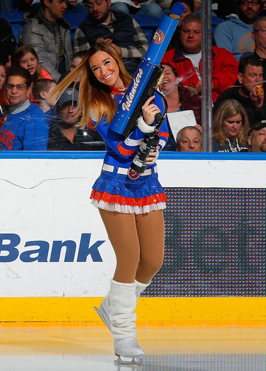 New-York-Islanders-Ice-Girls-GettyImages-464557748_master.jpg