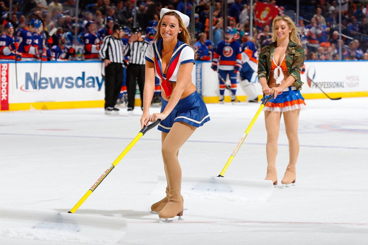 New-York-Islanders-Ice-Girls-459800106_10.jpg
