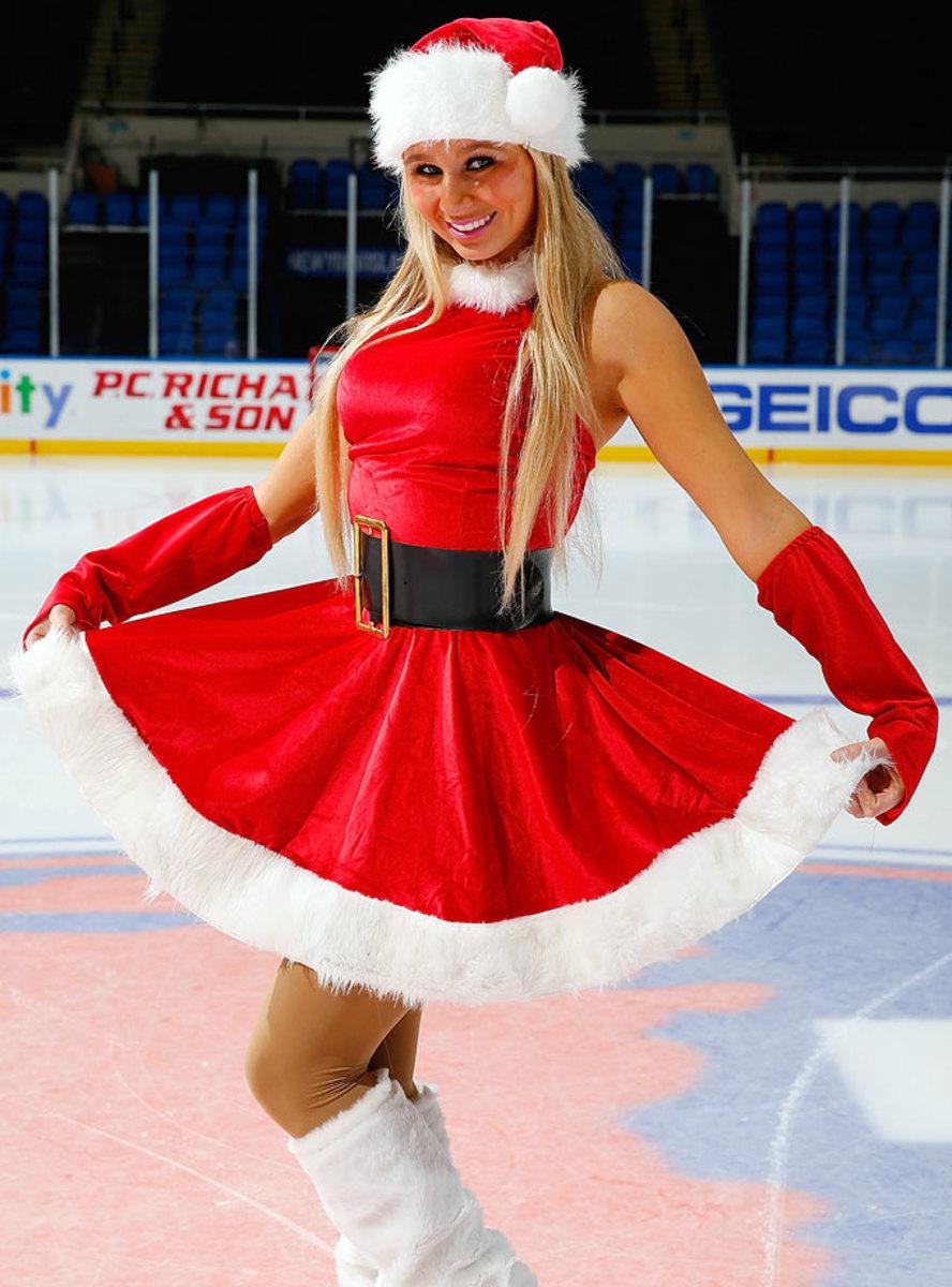 New-York-Islanders-Ice-Girls-460869378_10.jpg