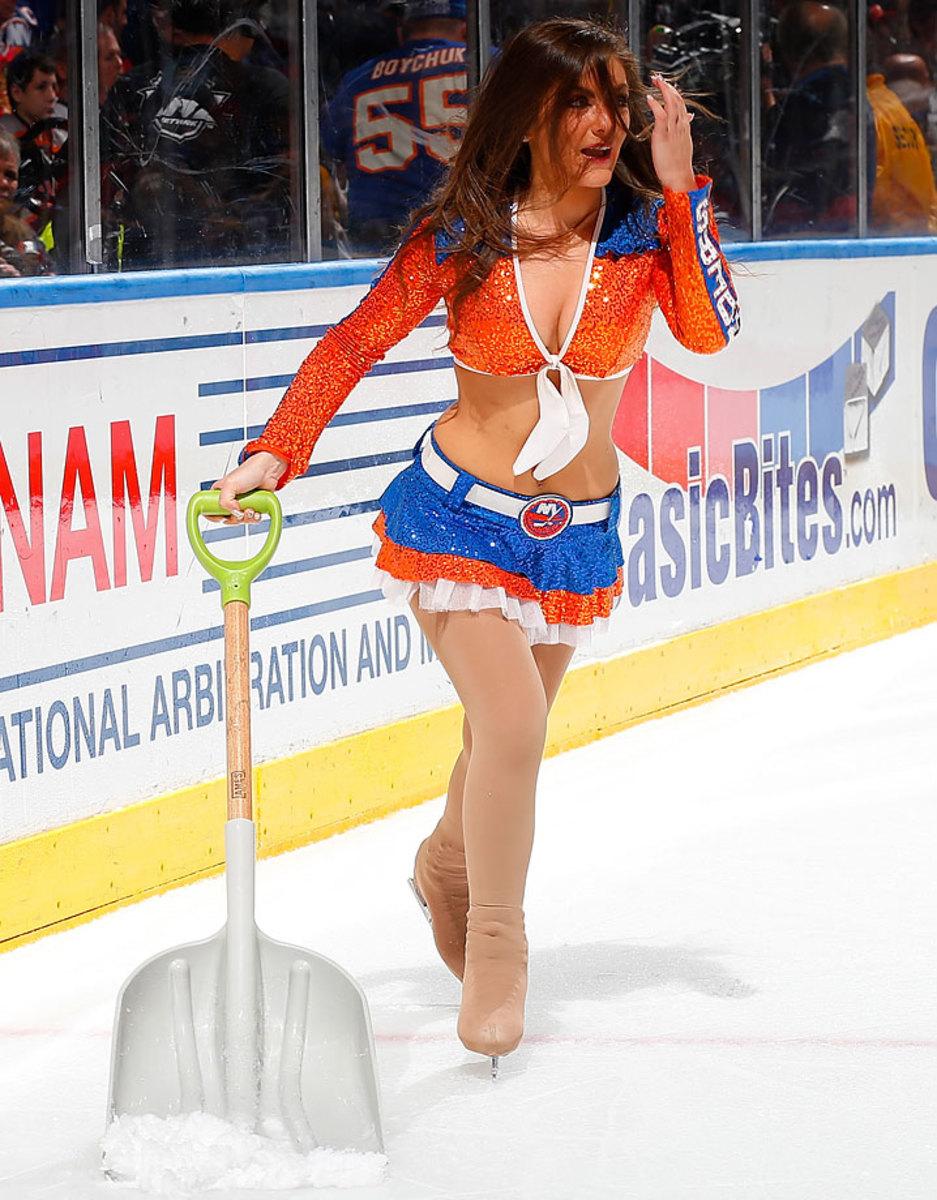 New-York-Islanders-Ice-Girls-459780790_10.jpg