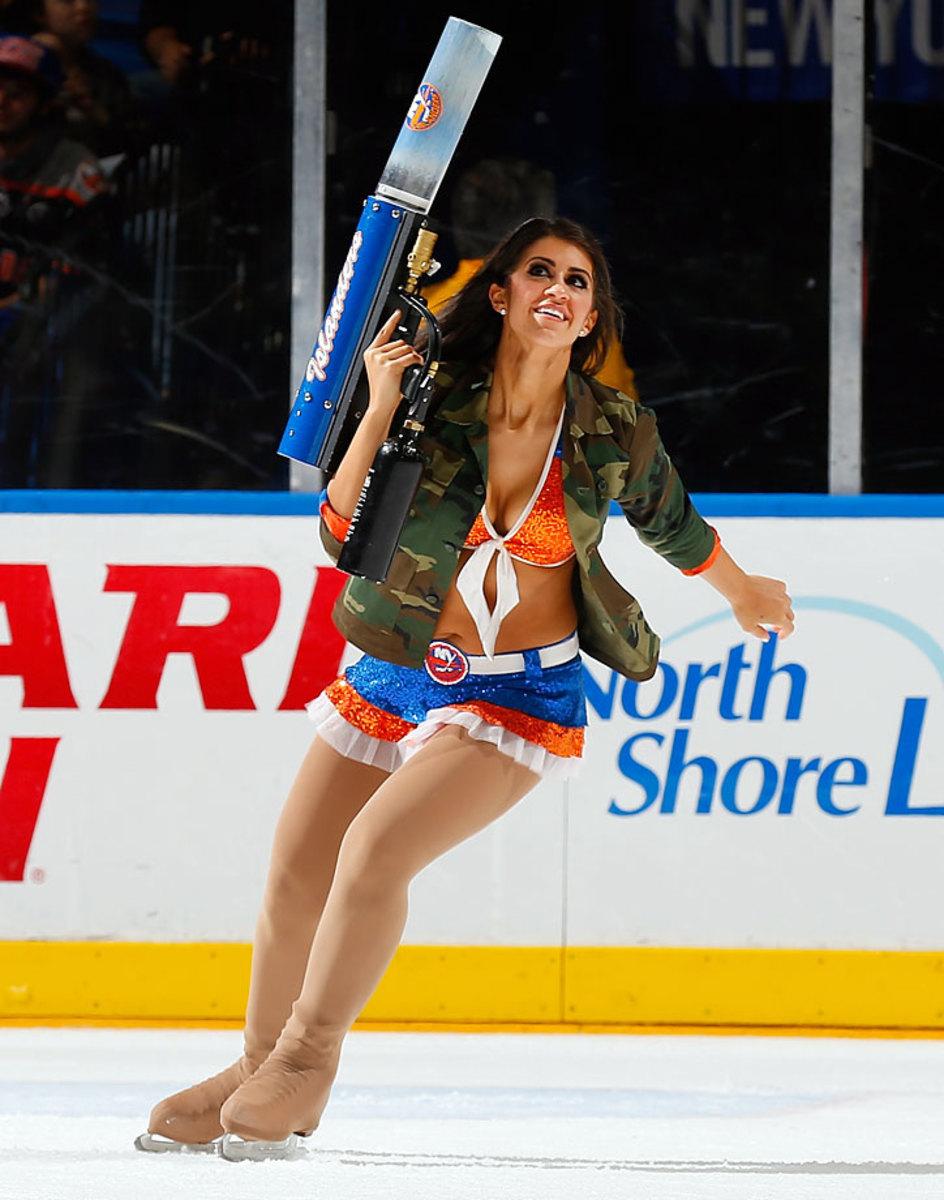 New-York-Islanders-Ice-Girls-459800100_10.jpg