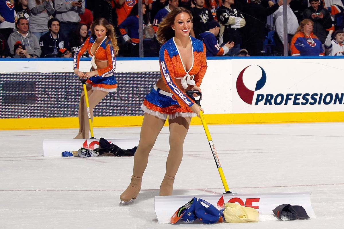 New-York-Islanders-Ice-Girls-461651880.jpg