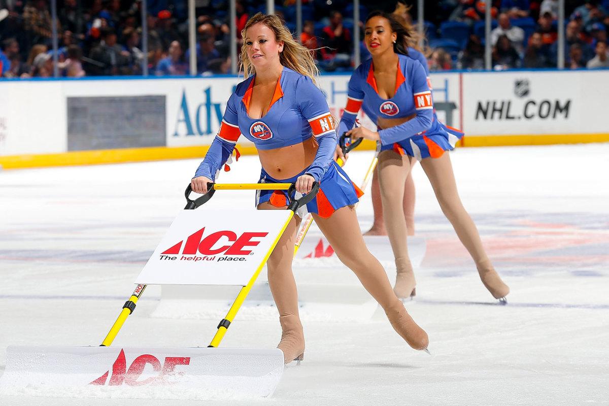 New-York-Islanders-Ice-Girls-459233300_10.jpg