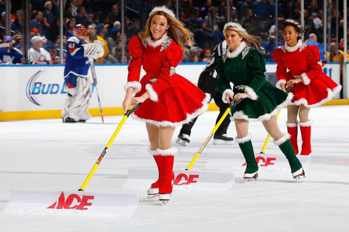New-York-Islanders-Ice-Girls-460476606_10.jpg