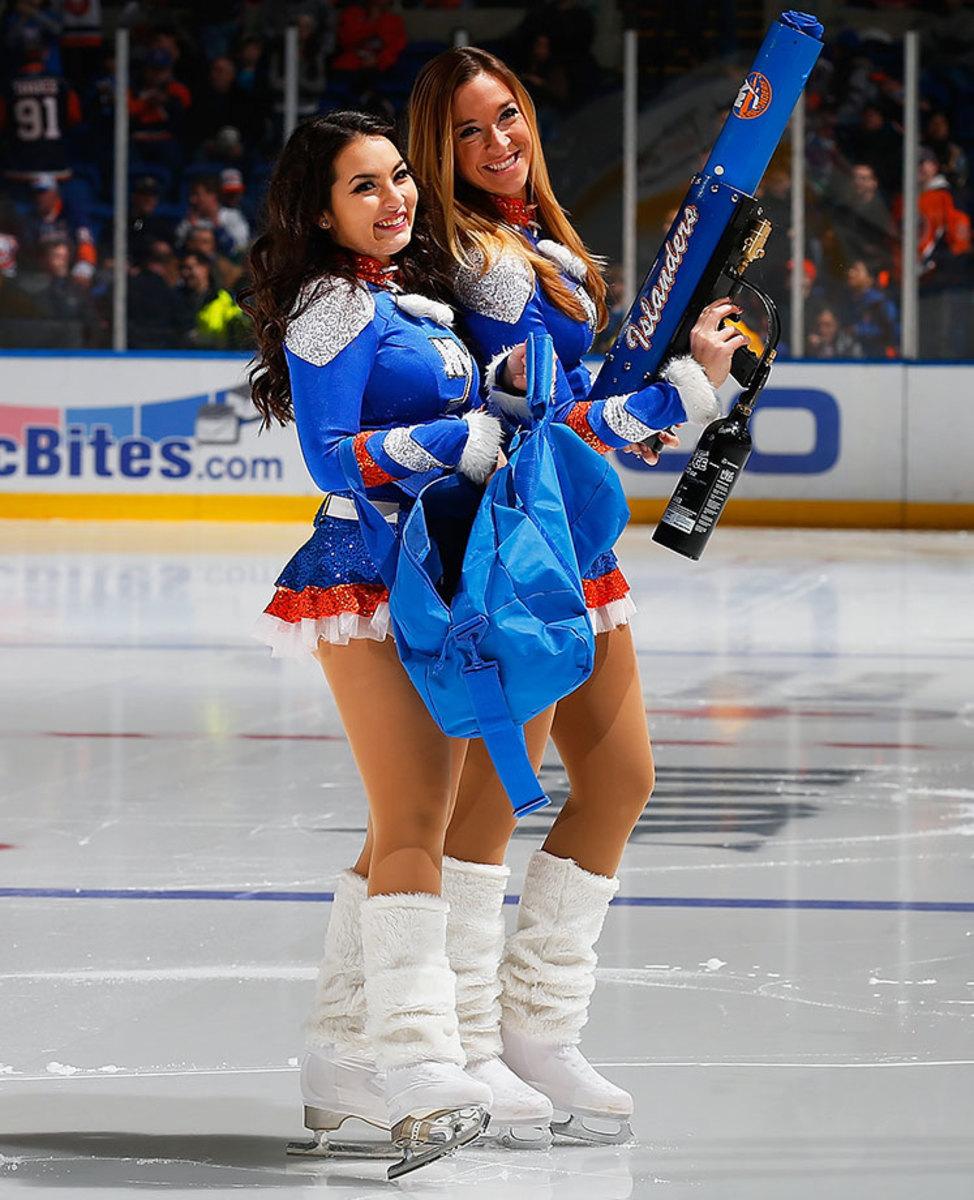 New-York-Islanders-Ice-Girls-GettyImages-464557744_master.jpg