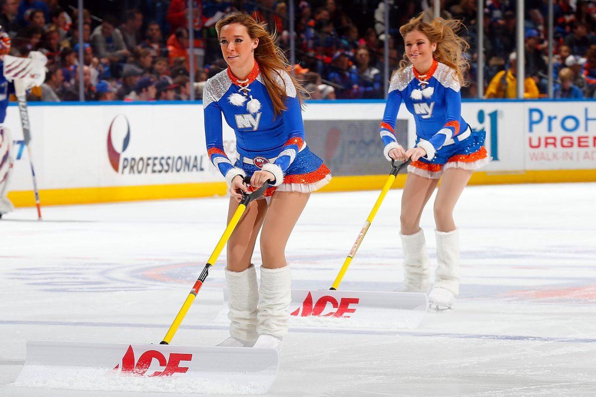 New-York-Islanders-Ice-Girls-459685496_10.jpg