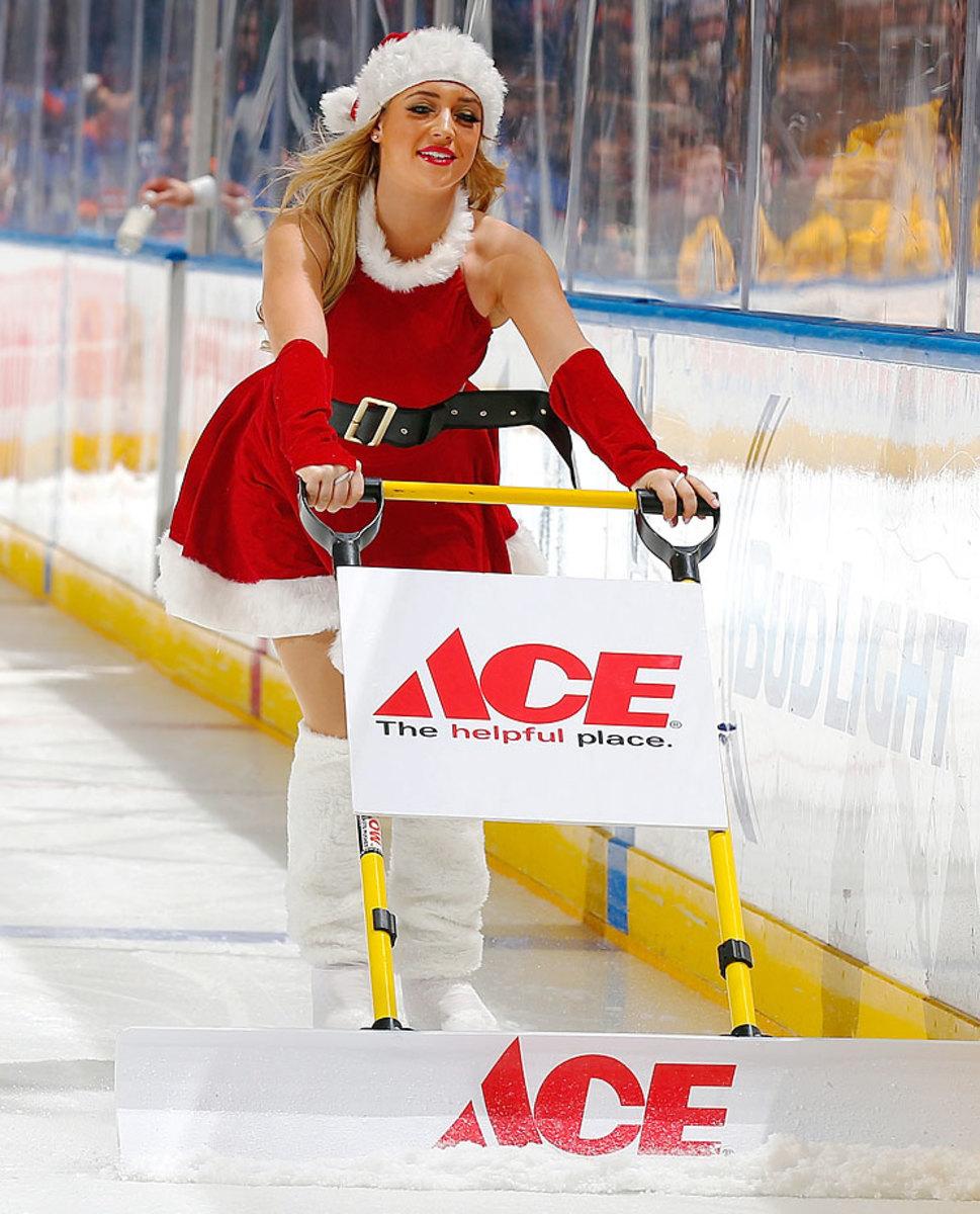 New-York-Islanders-Ice-Girls-460476624_10.jpg