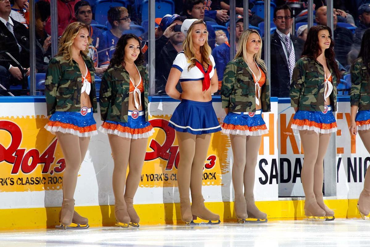 New-York-Islanders-Ice-Girls-458912546_10.jpg