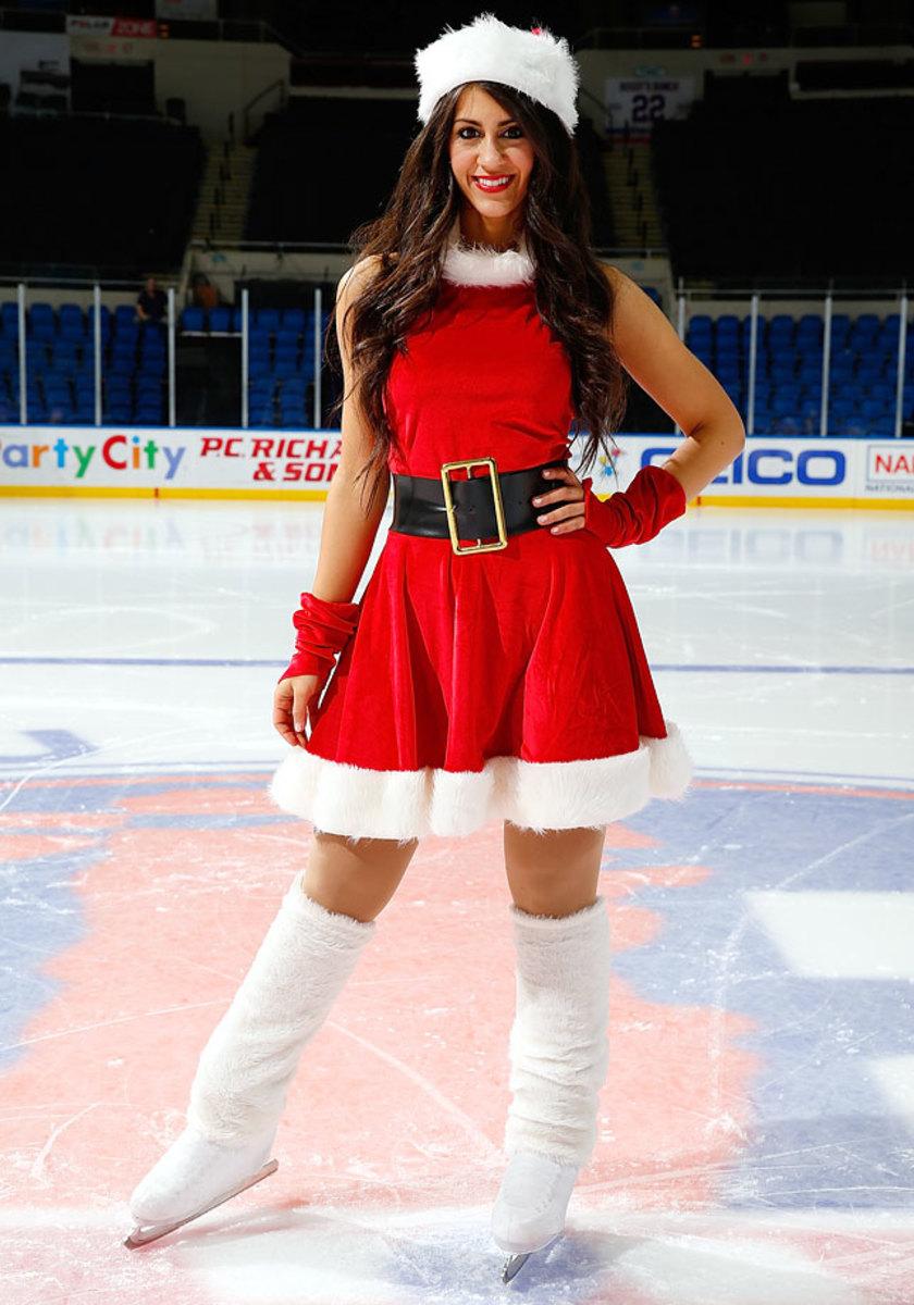 New-York-Islanders-Ice-Girls-460869362_10.jpg