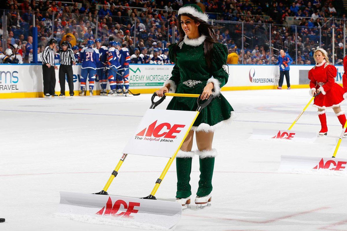 New-York-Islanders-Ice-Girls-460476616_10.jpg