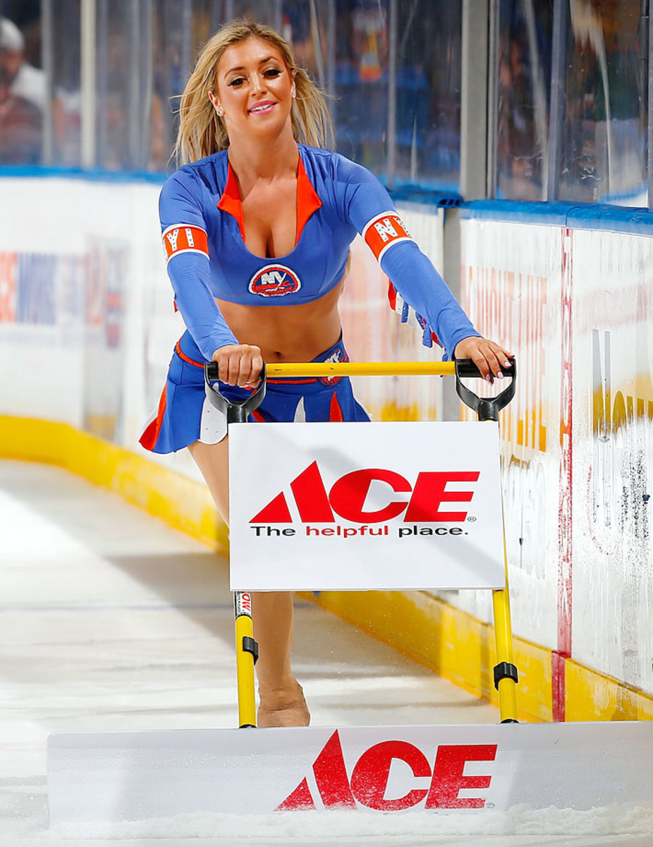 New-York-Islanders-Ice-Girls-459905514_10.jpg