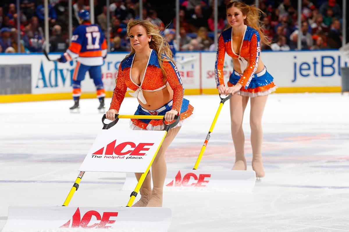 New-York-Islanders-Ice-Girls-459780804_10.jpg