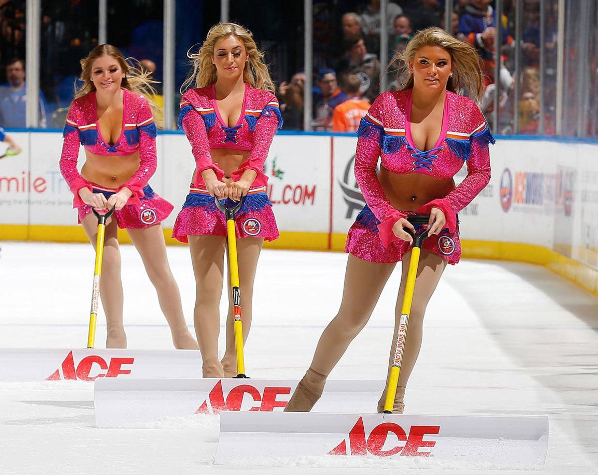 New-York-Islanders-Ice-Girls-459780808_10.jpg