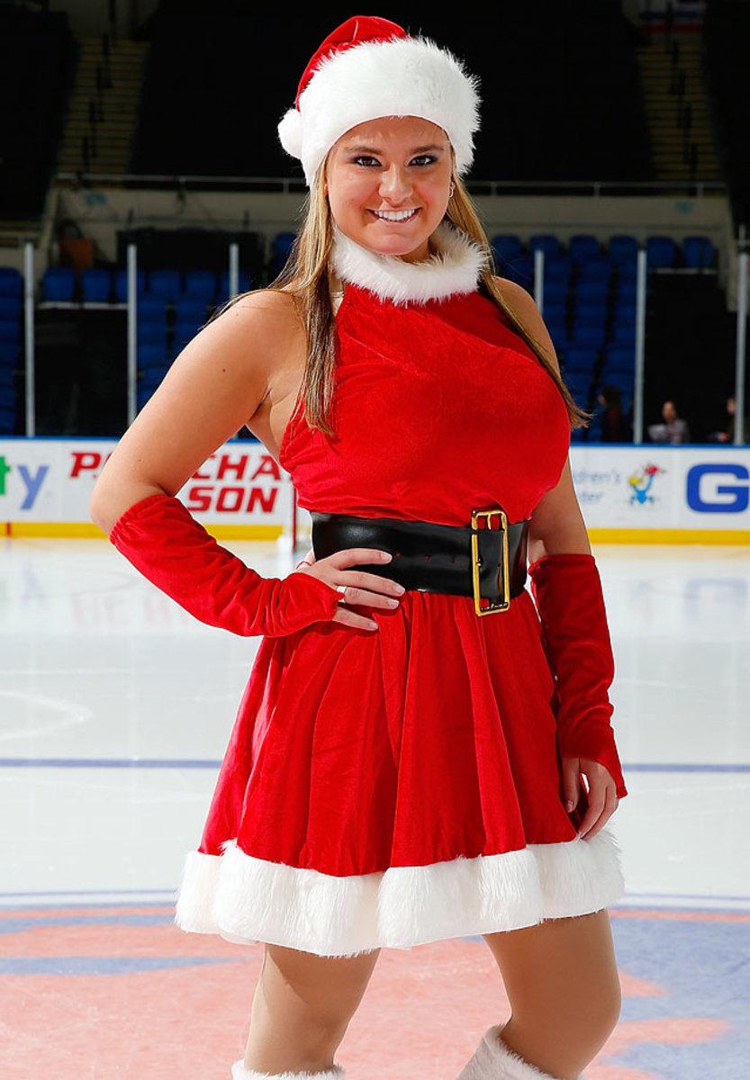New-York-Islanders-Ice-Girls-460869384_10.jpg