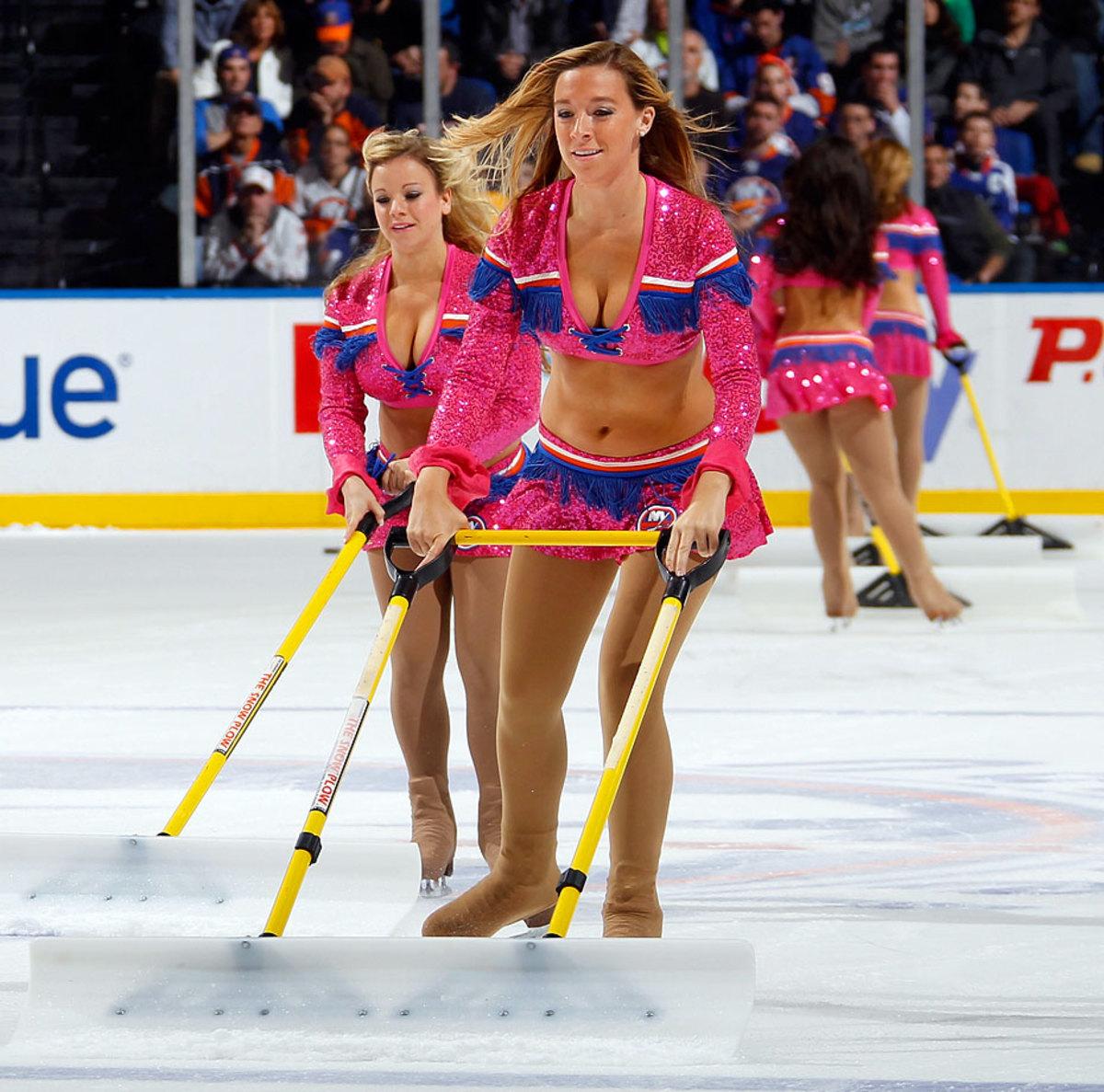 New-York-Islanders-Ice-Girls-458177202_10.jpg