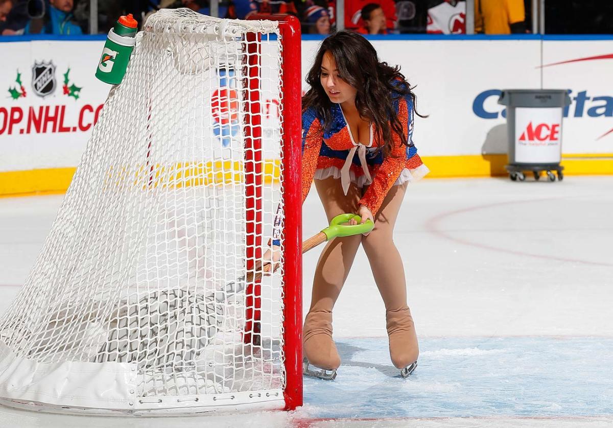 New-York-Islanders-Ice-Girls-459780798_10.jpg