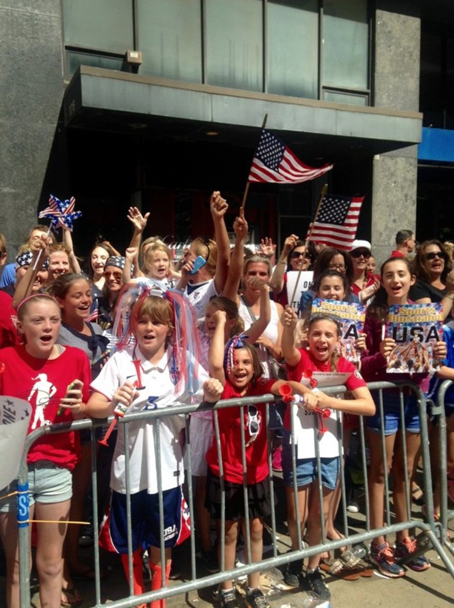 USWNT-parade-photos-3.jpg