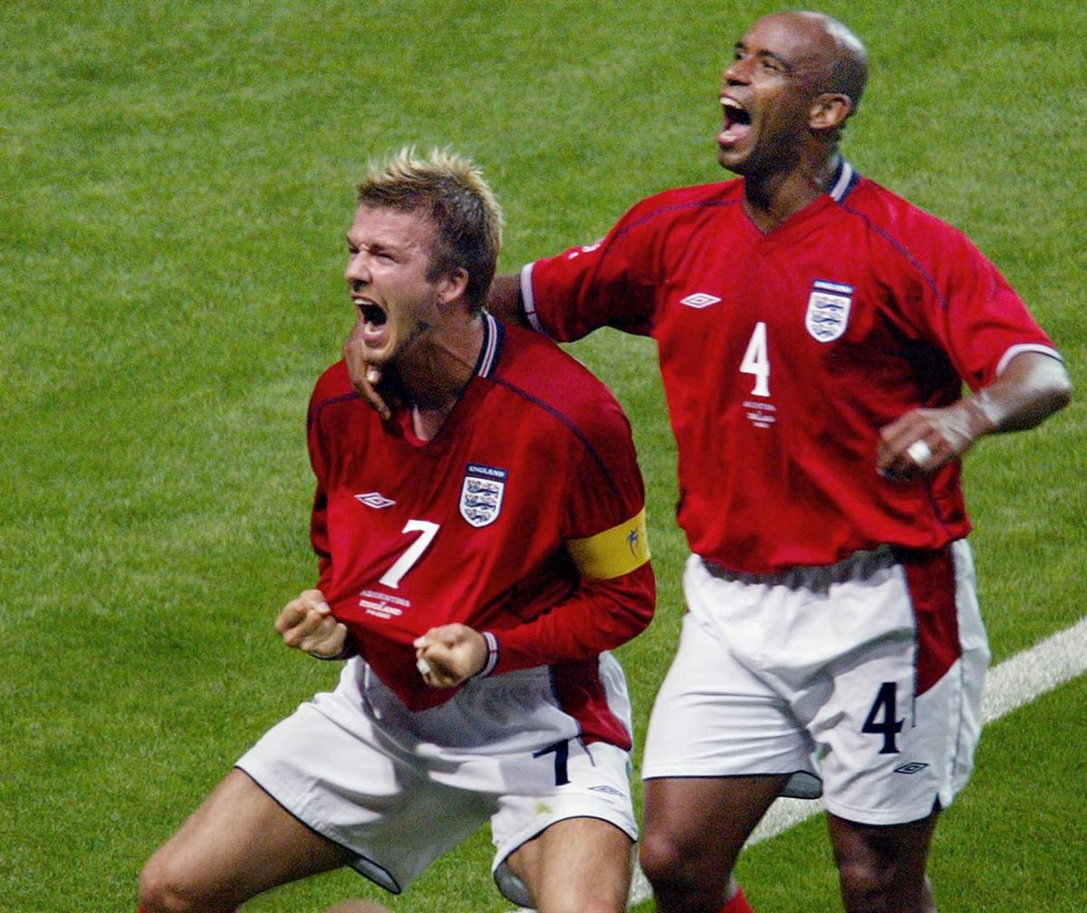 2002-0607-David-Beckham-Trevor-Sinclair.jpg