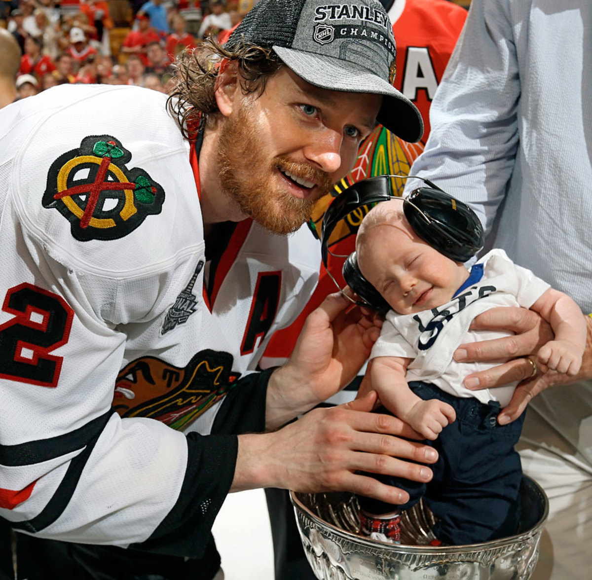 2013-Duncan-Keith-son-Colton-Stanley-Cup.jpg