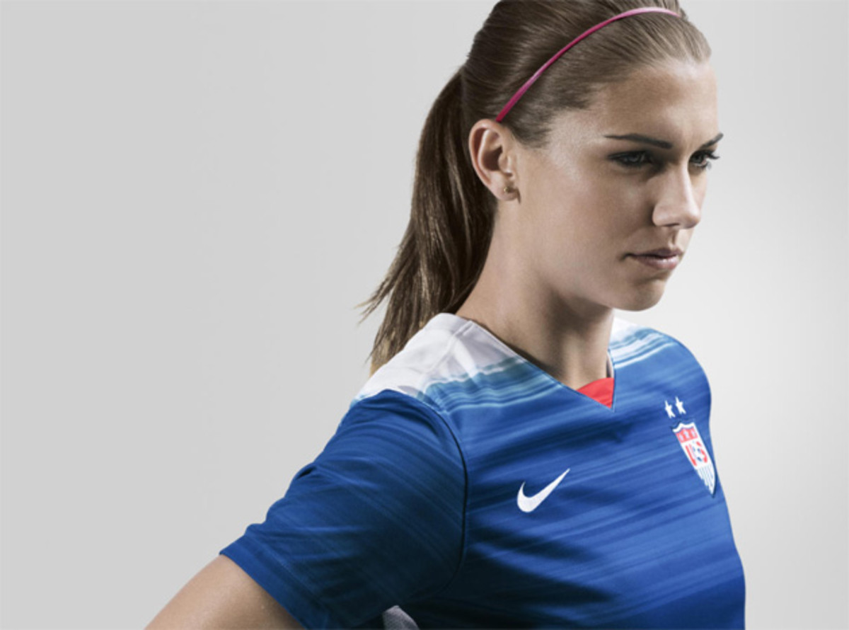 alex-morgan-kit-usa