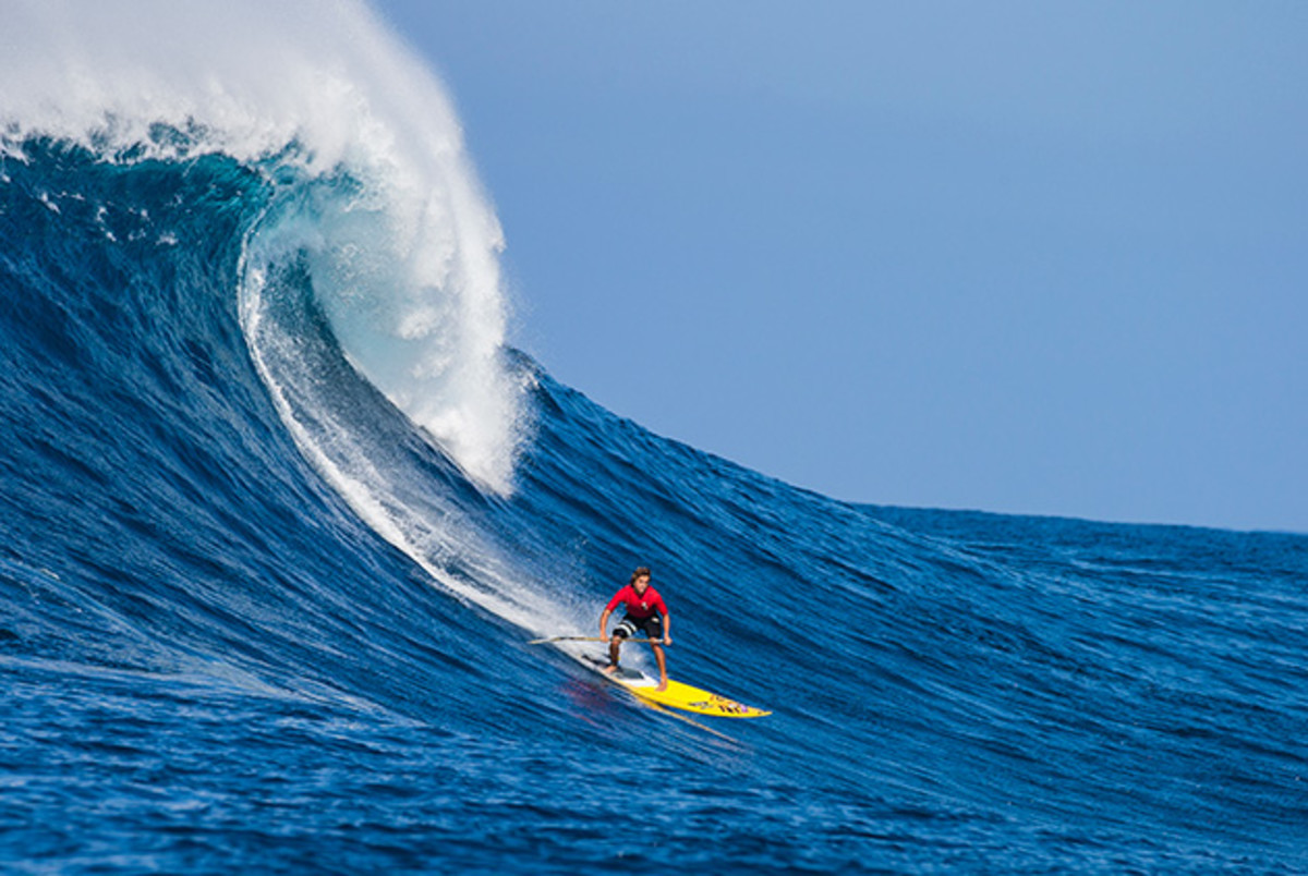 kai-lenny-ultimate-waterman-sup-surfing-jaws-630.jpg