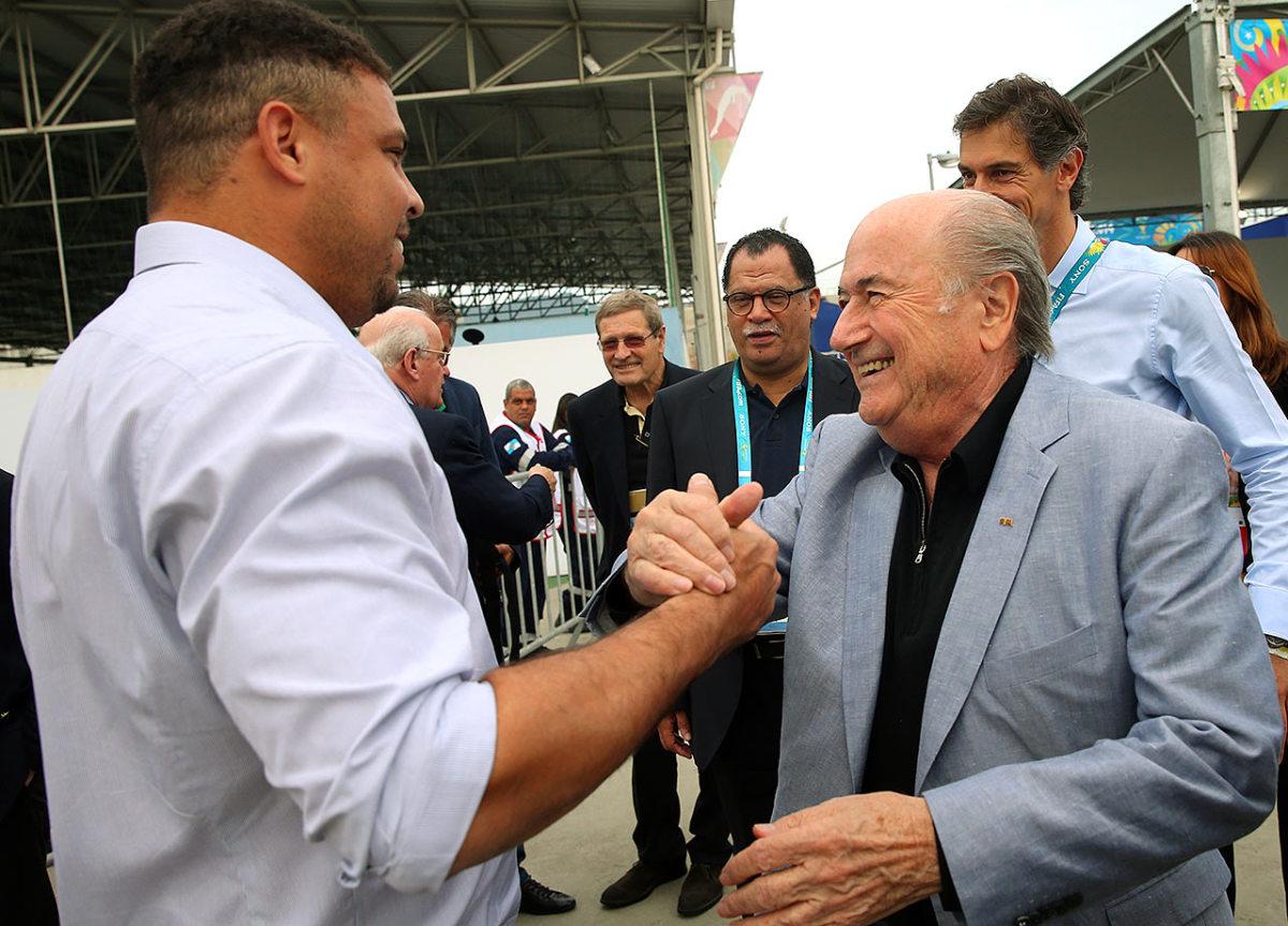 2014-0707-Ronaldo-Sepp-Blatter.jpg