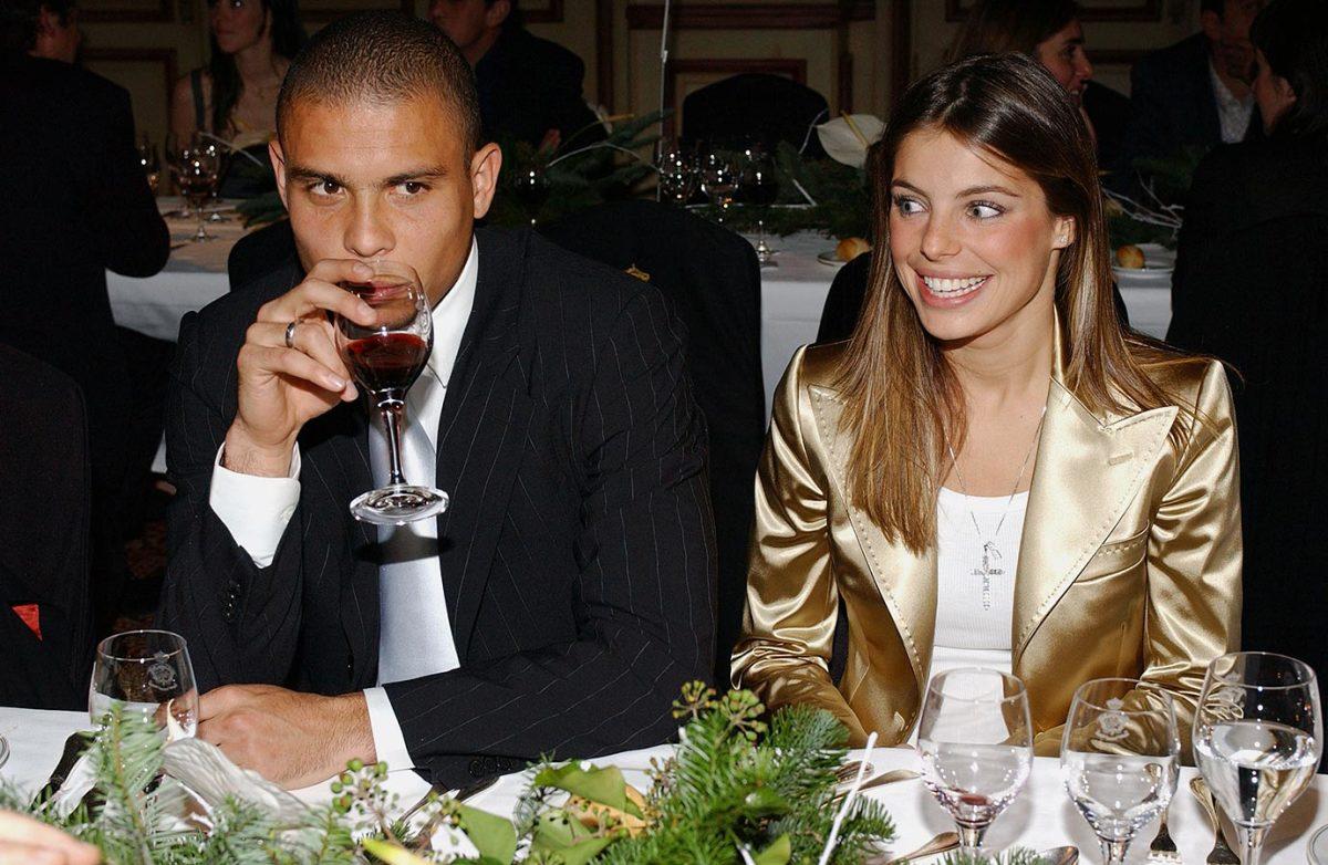 2004-1213-Ronaldo-girlfriend-Daniela-Cicarelli.jpg