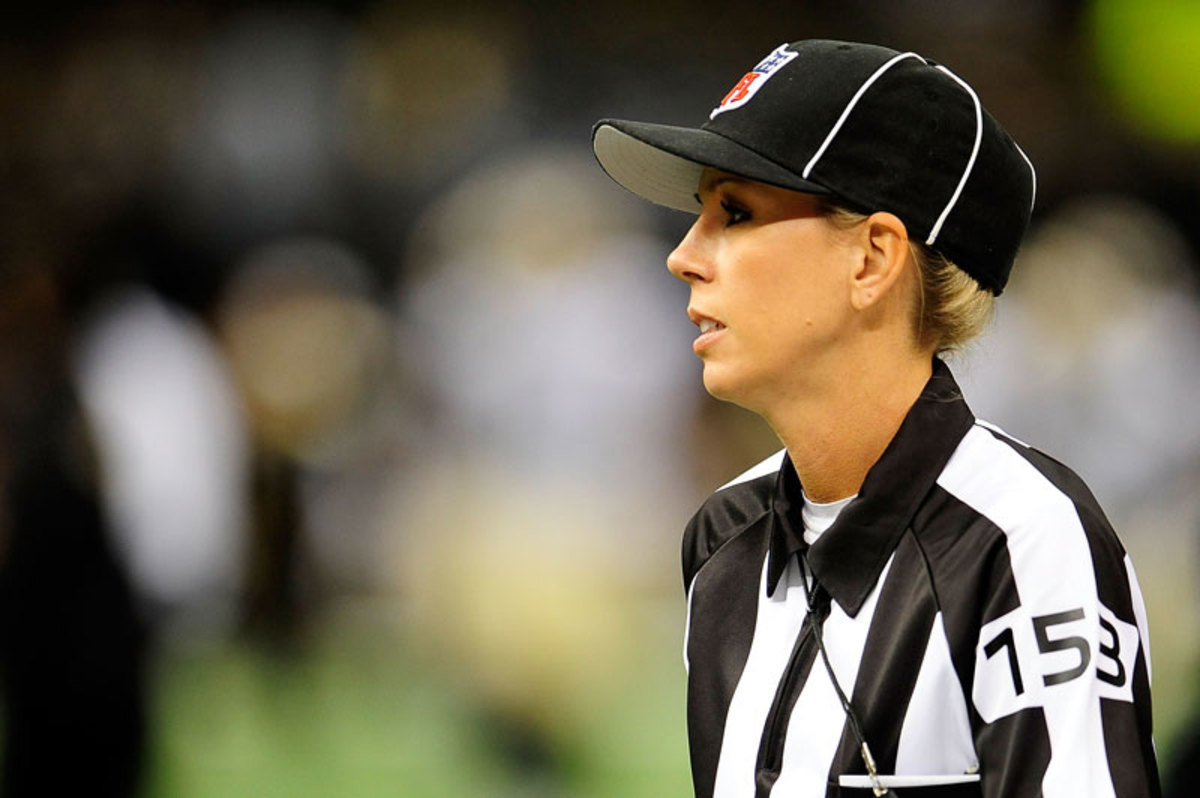Stacy Thomas was a college football ref for seven years and worked NFL preseason games last season. (Stacy Revere/Getty Images)