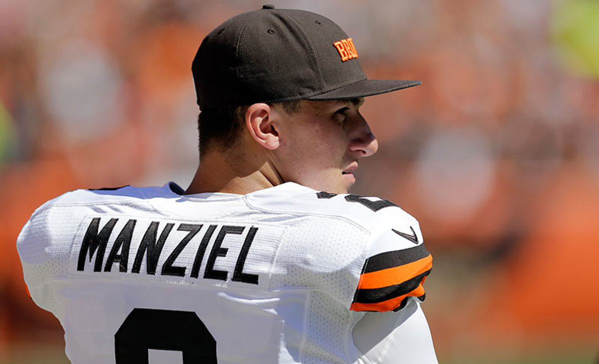 Johnny Bench? Manziel reportedly is not a major factor in the Browns' plans at quarterback for 2015. (Tony Dejak/AP)