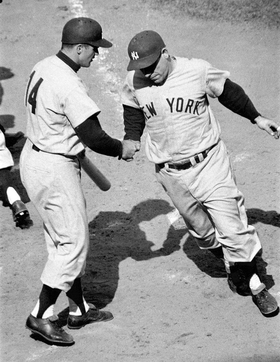1956-yogi-berra-bill-skowron-001305672.jpg