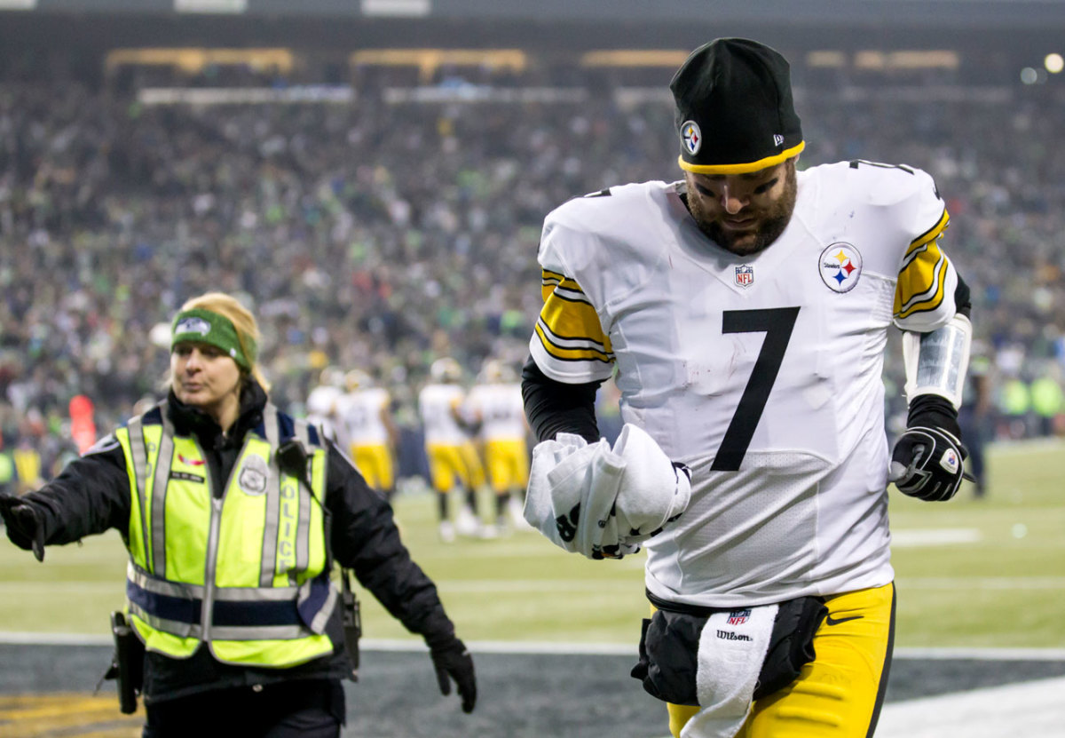 Roethlisberger self-reported his head injury, the way doctors hope players would.