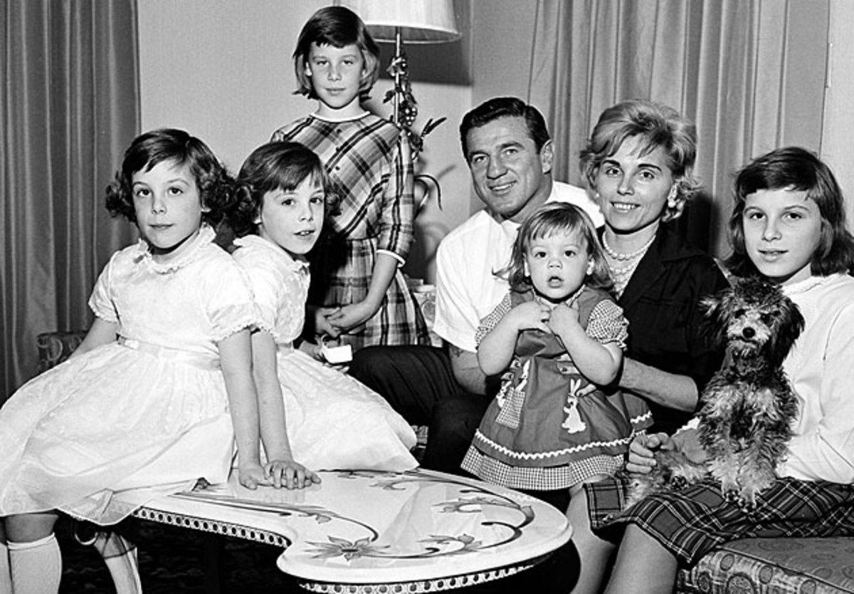 Chuck Bednarik and family
