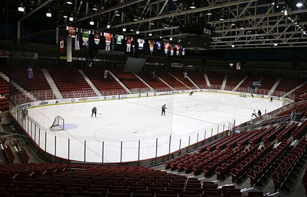 lake-placid-rink-mike-groll-ap.jpg