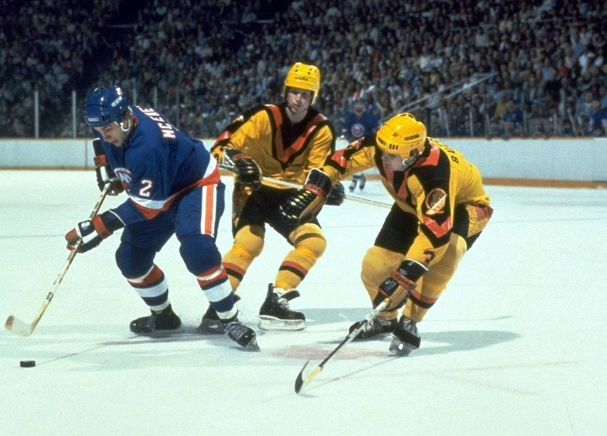 Vancouver-Canucks-uniform-1982-Garth-Butcher.jpeg