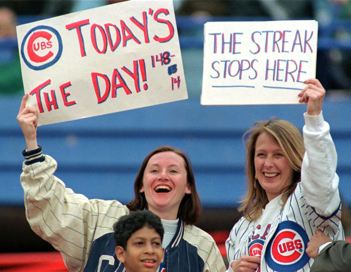 1997-Chicago-Cubs-fan-sign-AP_9704200121.jpg